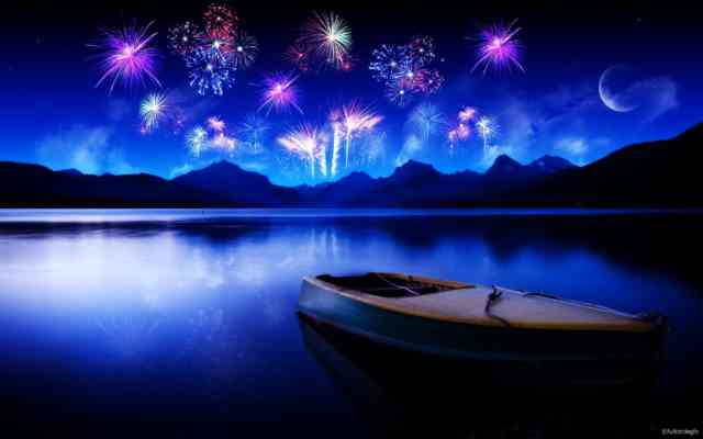 Best computer wallpapers 2012 - bestscreenwallpaper.com - fireworks to lake