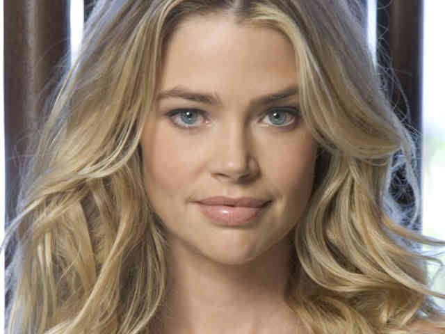 Denise Richards hd wallpapers | denise richards | hot denise richards | free download  | bestscreenwallpaper.com #25