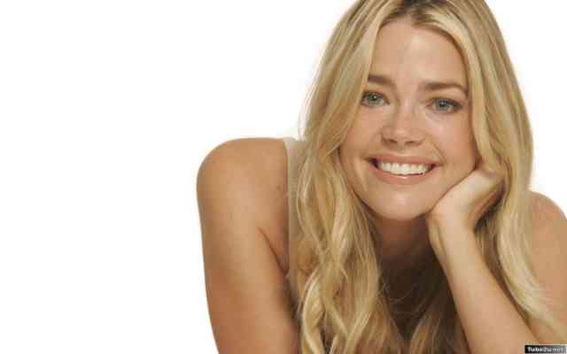 Denise Richards hd wallpapers | denise richards | hot denise richards | free download  | bestscreenwallpaper.com #26