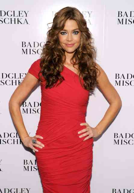 Denise Richards hd wallpapers | denise richards | hot denise richards | free download  | bestscreenwallpaper.com #33