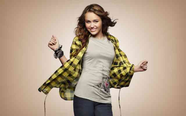 Miley Cyrus HD Desktop Wallpapers | Hot miley cyrus | miley songs | miley album | miley images | #2