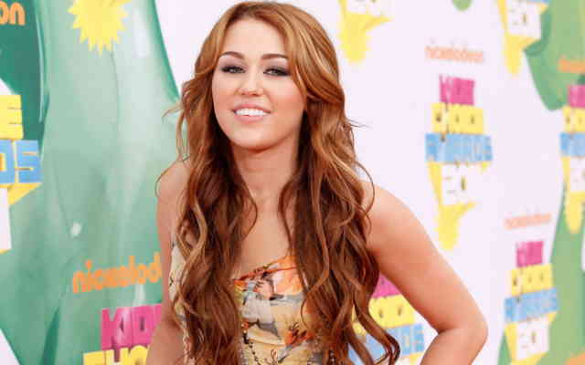 Miley Cyrus HD Desktop Wallpapers | Hot miley cyrus | miley songs | miley album | miley images | #38