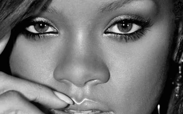 Wallpaper-HD-Rihanna-Close-Up