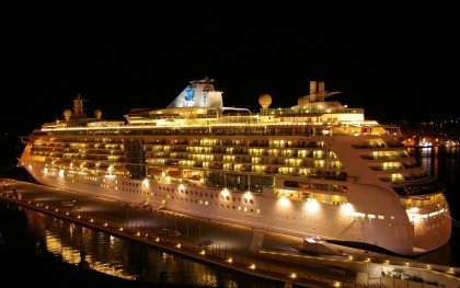 Luxary Cruise Ship at Night Free 1080p  - Wallpapers - - خلفيات - 壁紙 - Fonds d'écran - sfondi - 壁紙 - 배경 화면 - обои - fondos de pantalla - desktops - #13