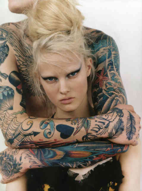 cool naked girl tattoos