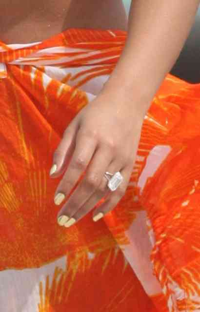 Beyonce wedding ring - #17