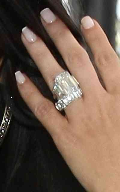 Beyonce wedding ring - #22