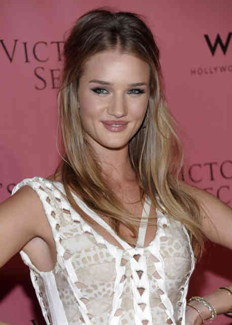 Transformers 3 girl | Rosie Huntington-Whiteley | transformers.com | #24