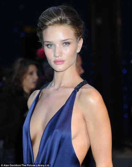 Transformers 3 girl | Rosie Huntington-Whiteley | transformers.com | #38