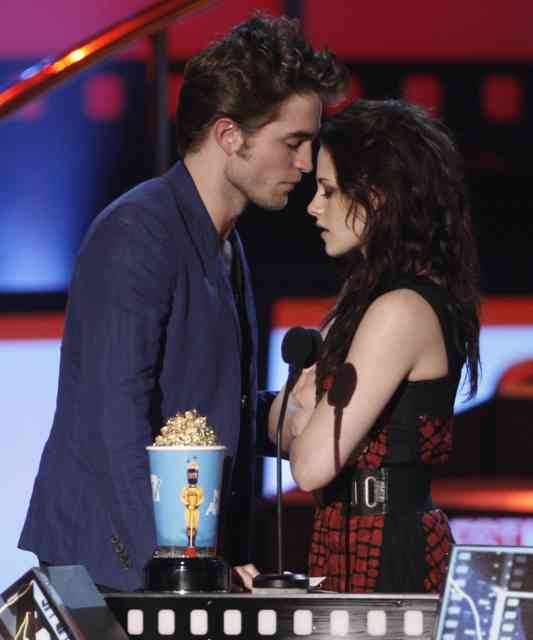 Twilight MTV Movie Awards | Award | Corporate awards | Peoples Choice Awards |