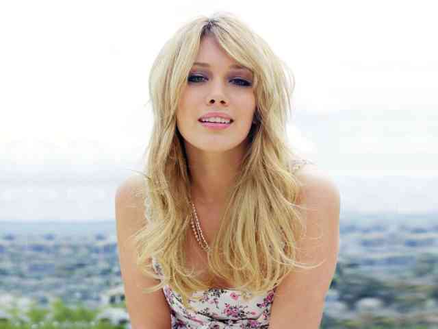 Pics Hilary Duff Wallpapers