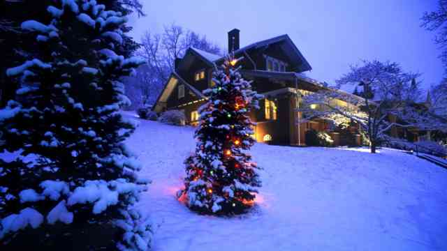 Christmas Tree Wallpaper | FREE Christmas Tree Wallpaper | Christmas Wallpapers | #20