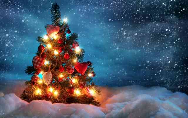 Christmas Tree Wallpaper | FREE Christmas Tree Wallpaper | Christmas Wallpapers | #27