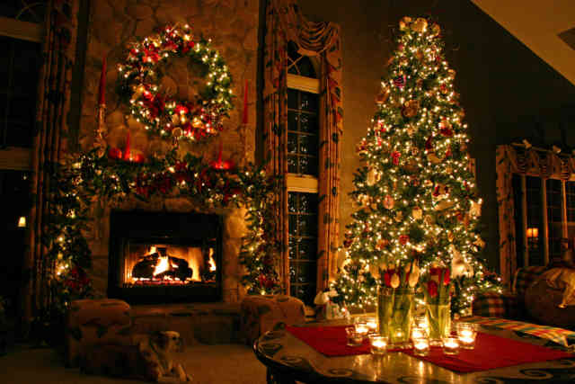 Christmas Tree Wallpaper | FREE Christmas Tree Wallpaper | Christmas Wallpapers | #28