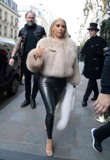 2015 March Pictures Kim Kardashian Platinum Blonde Hair | Kim Kardashian Wallpapers | #4