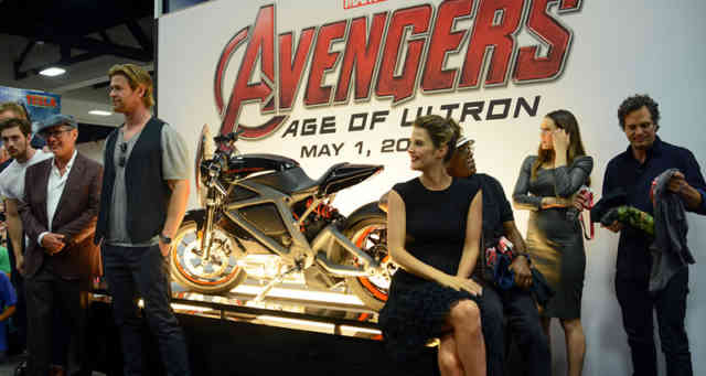 The Avengers Age of Ultron Cast 2015 Images | Avengers Trailer | Avengers 2 Age of Ultron | #23