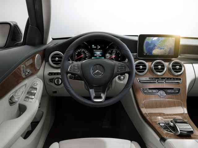 2015 Mercedes-Benz C-Class UK Interior
