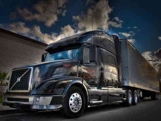 Black Volvo Truck Wallpapers | Pickup Truck