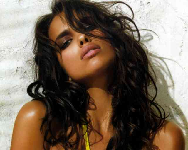 Cute Hairstyle Irina Shayk Magazine
