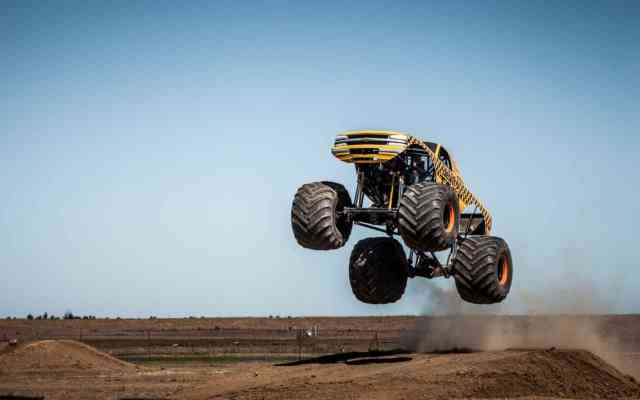 Gold Monster Truck Rally HD Wallpapers | Pickup Truck