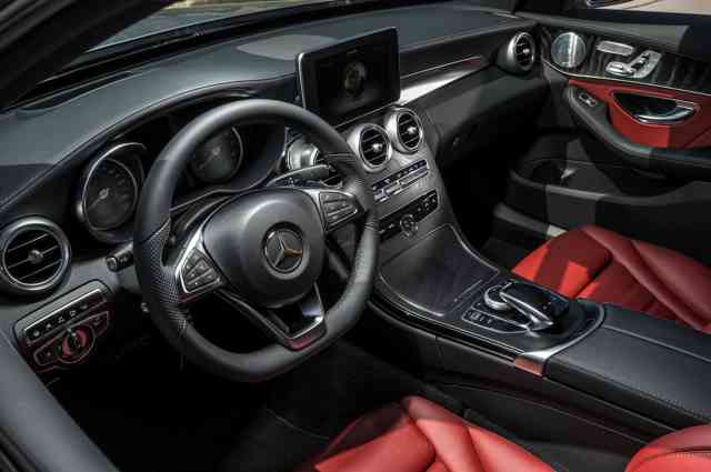 Perfect Interior 2015 Mercedes-Benz C-Class UK