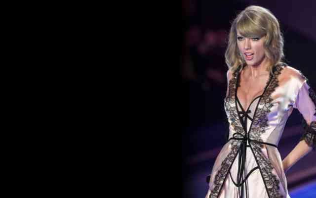 Taylor Swift Hot Dress 2015 | #13