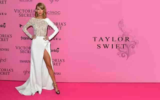 Taylor Swift Hot Dress 2015 | #4