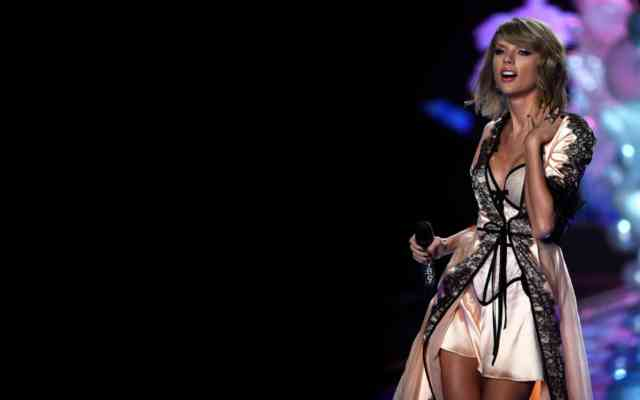 Taylor Swift Hot Dress 2015 | #7