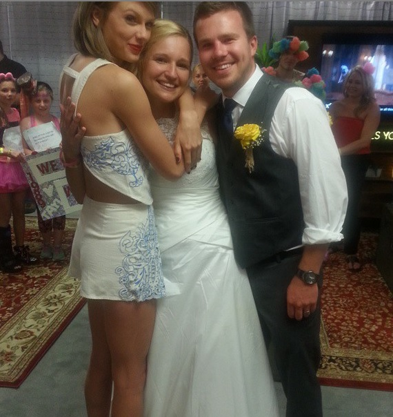 Taylor Swift Married couple Friends| Taylor Swift Instagram