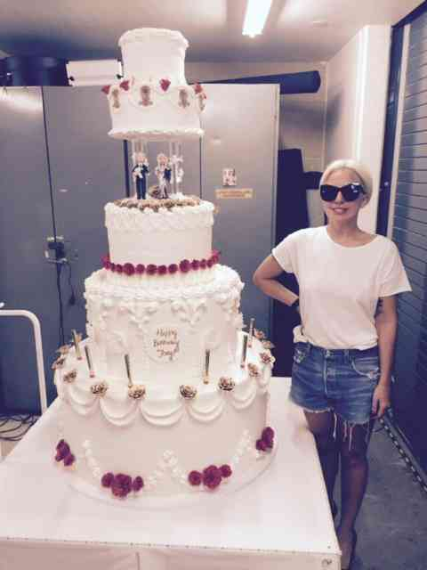 Lady Gaga August 2015 with Cake