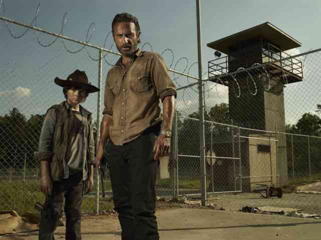 Rick and Carl Fear The Walking Dead Season 6 New Serie