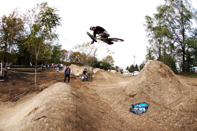 Bill Allen Heroes of Dirt Rest BMX Trick