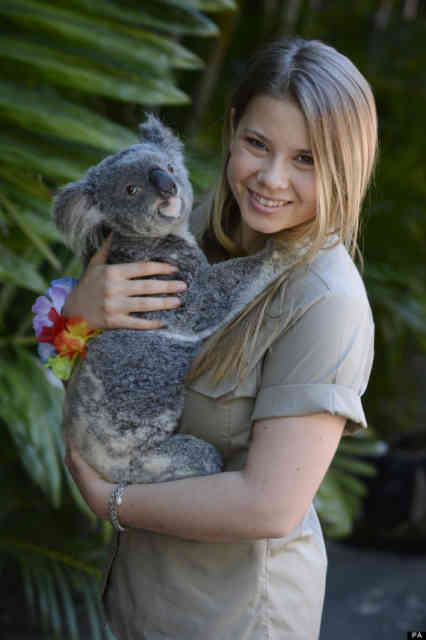 Bindi Irwin with Koala
