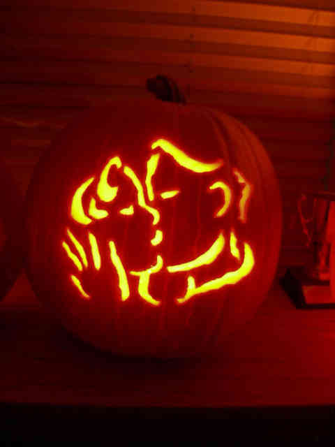 Cute Kisses Pumpkin Carving Ideas Photos