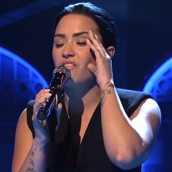 Demi Lovato Performs On SNL Photo #1