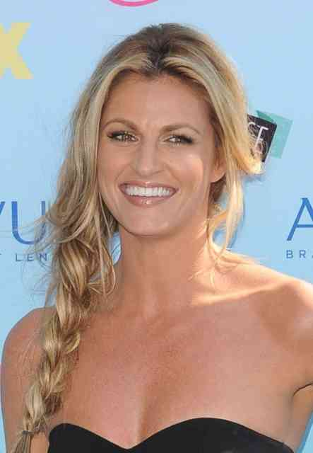 Erin Andrews Scandal Hotel Photos  Fox Sports Reporter -8004