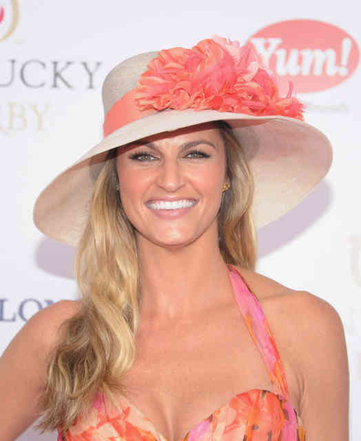 ERIN ANDREWS Scandal Hotel Photos | FOX Sports reporter ERIN ANDREWS -6