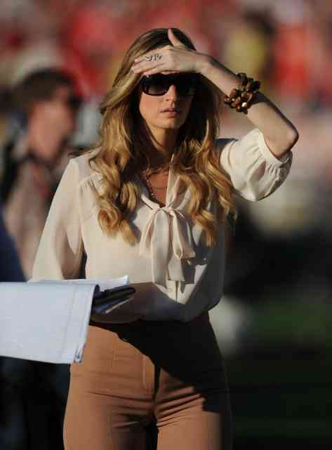 ERIN ANDREWS Scandal Hotel Photos |HOT ERIN ANDREWS Photo -8