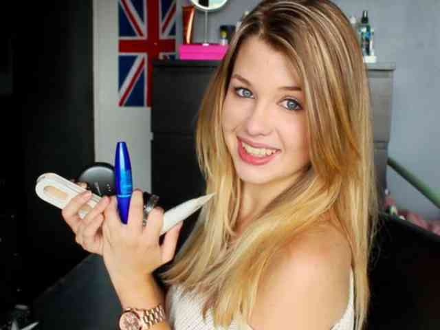EnjoyPhoenix Makeup Photo