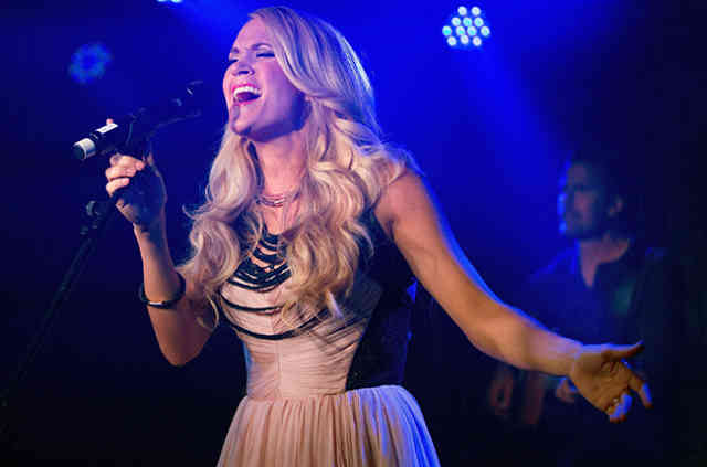 Magic Carrie Underwood Storyteller SHOW Photos