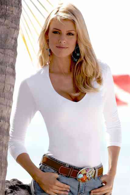 Cute Paige Butcher Photos