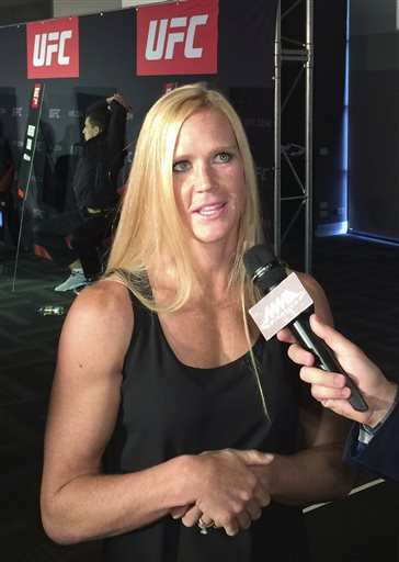 Holly Holm stuns Ronda Rousey PHOTOS #1
