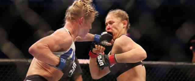 Holly Holm stuns Ronda Rousey PHOTOS #4