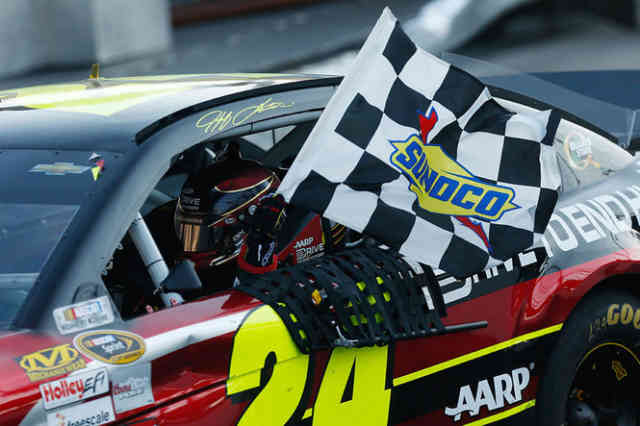 NASCAR: Jeff Gordon wins at Martinsville Photos #1