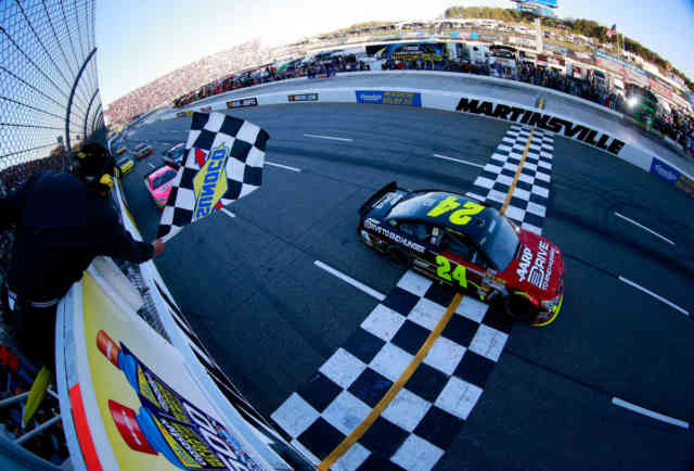 NASCAR: Jeff Gordon wins at Martinsville Photos #4