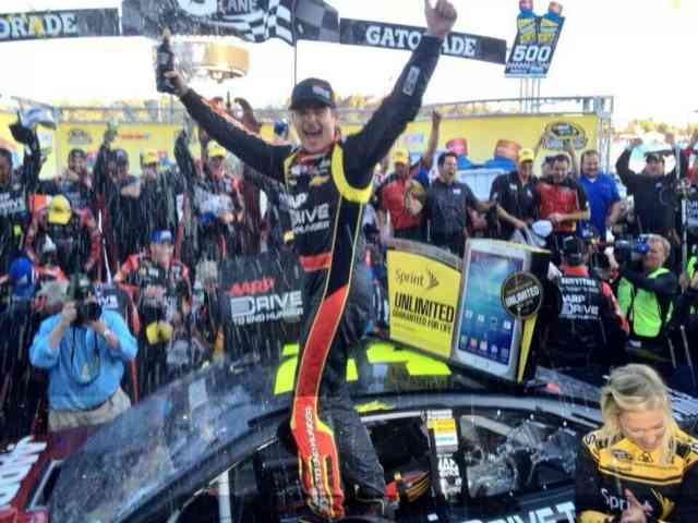 NASCAR: Jeff Gordon wins at Martinsville Photos #6