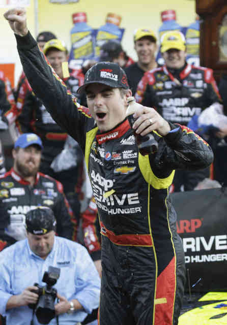 NASCAR: Jeff Gordon wins at Martinsville Photos #7
