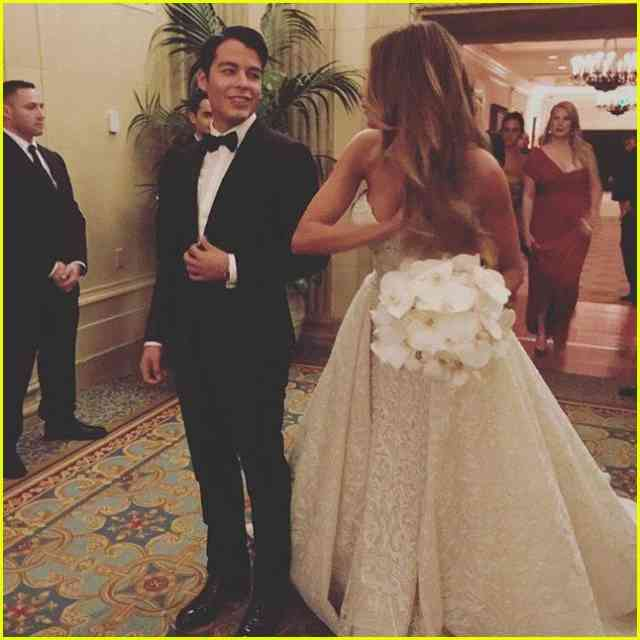 Sofia Vergara Wedding Photos Dancing