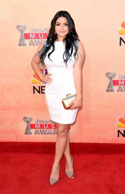 White Dress Ariel Winter 2015 American Actress-Singer Photos