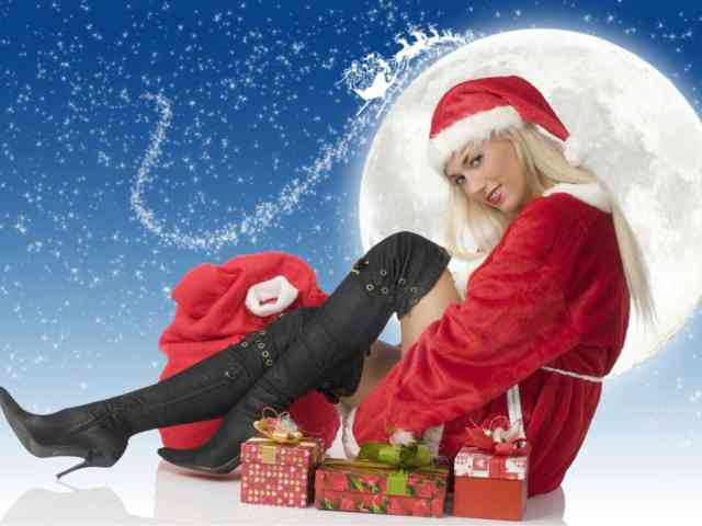 Real Hot Christmas Girls Wallpapers
